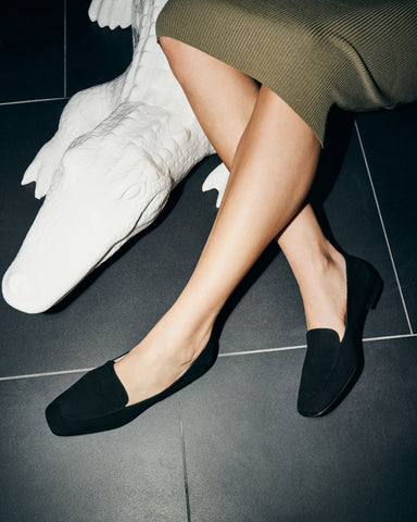 Elaine loafers in black suede in large sizes