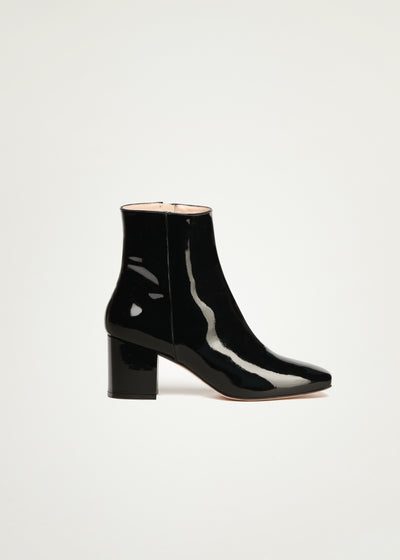 Sienna boots in black patent leather in larger sizes for women in side view