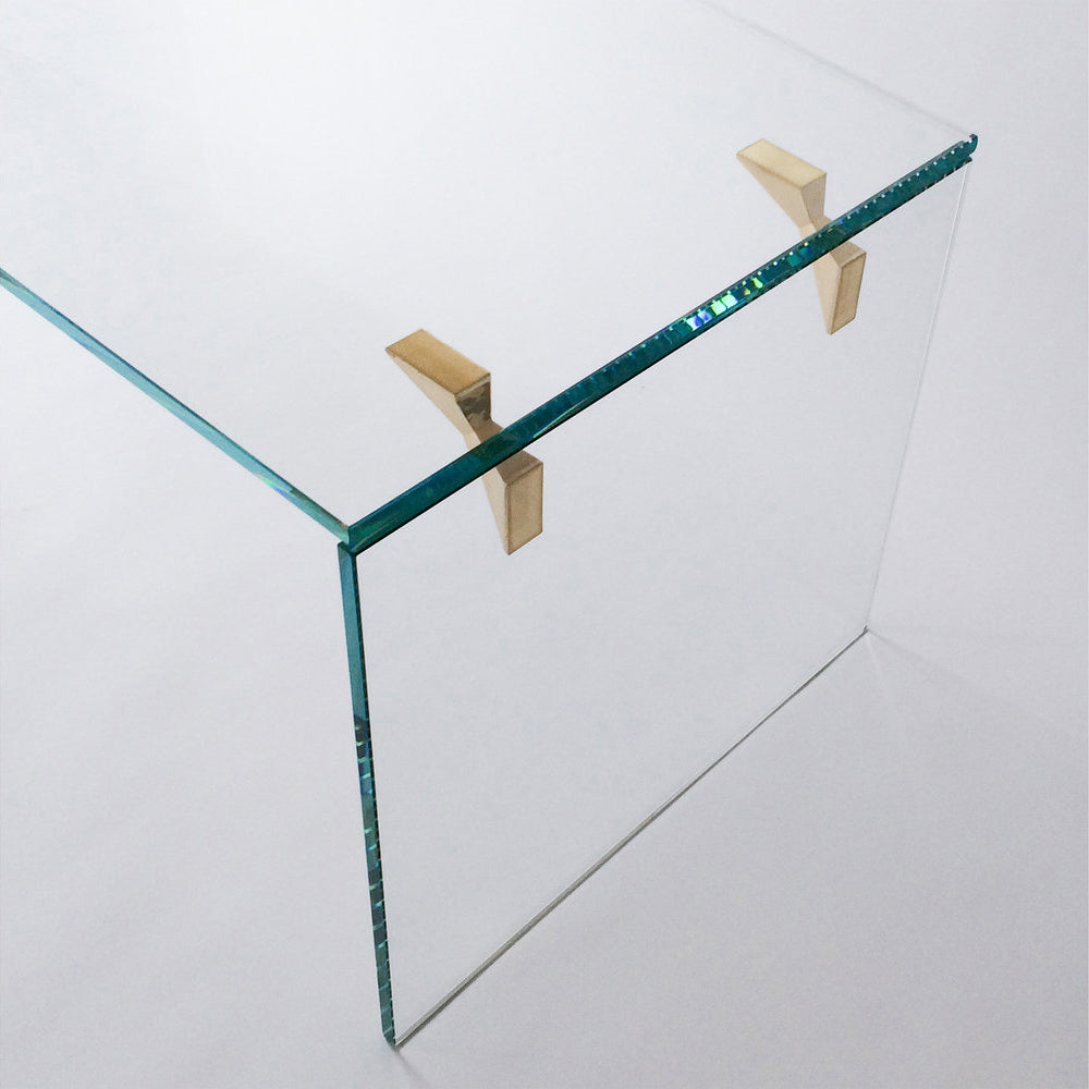 Bow Tie Table