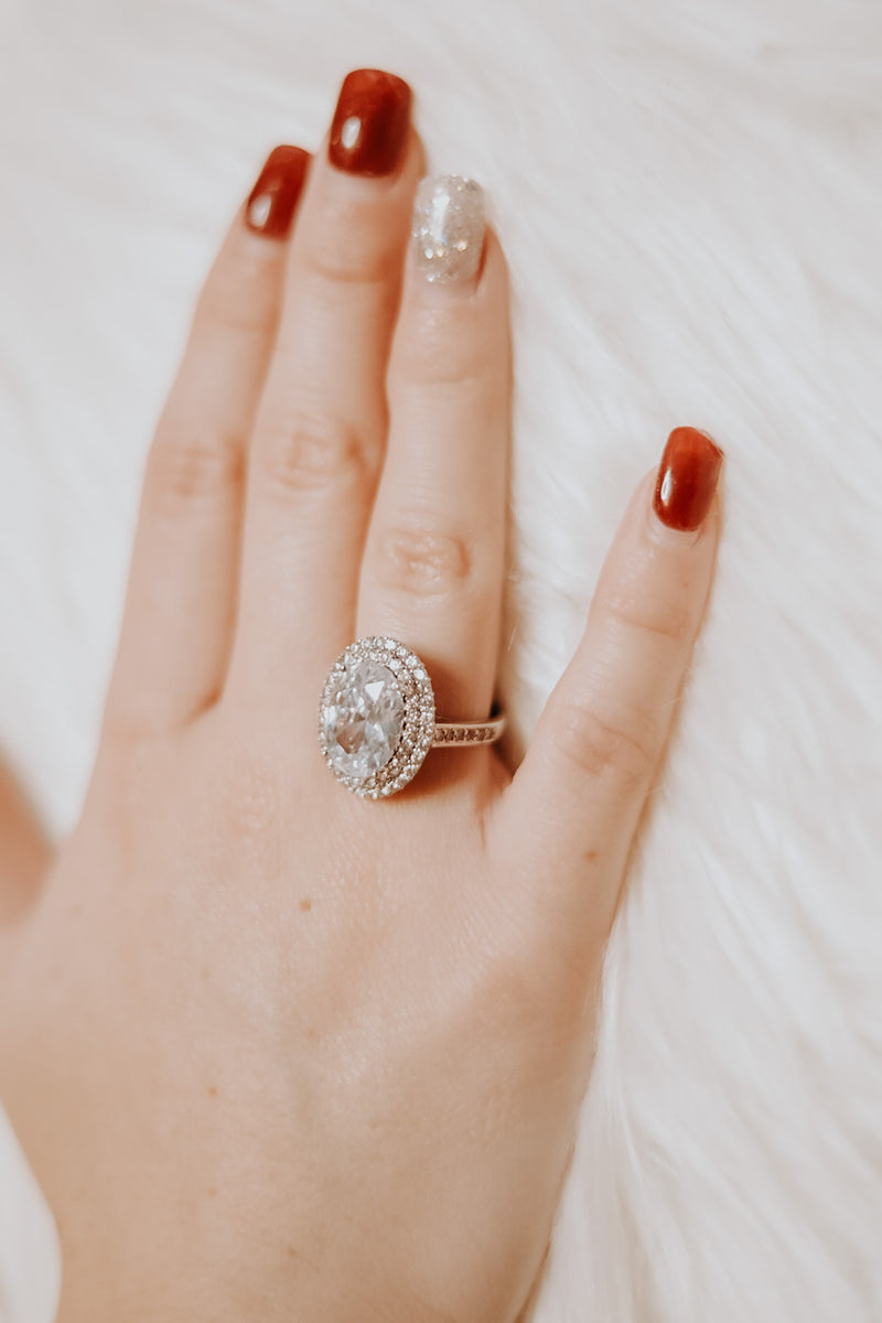 Oval Rhinestone Ring
