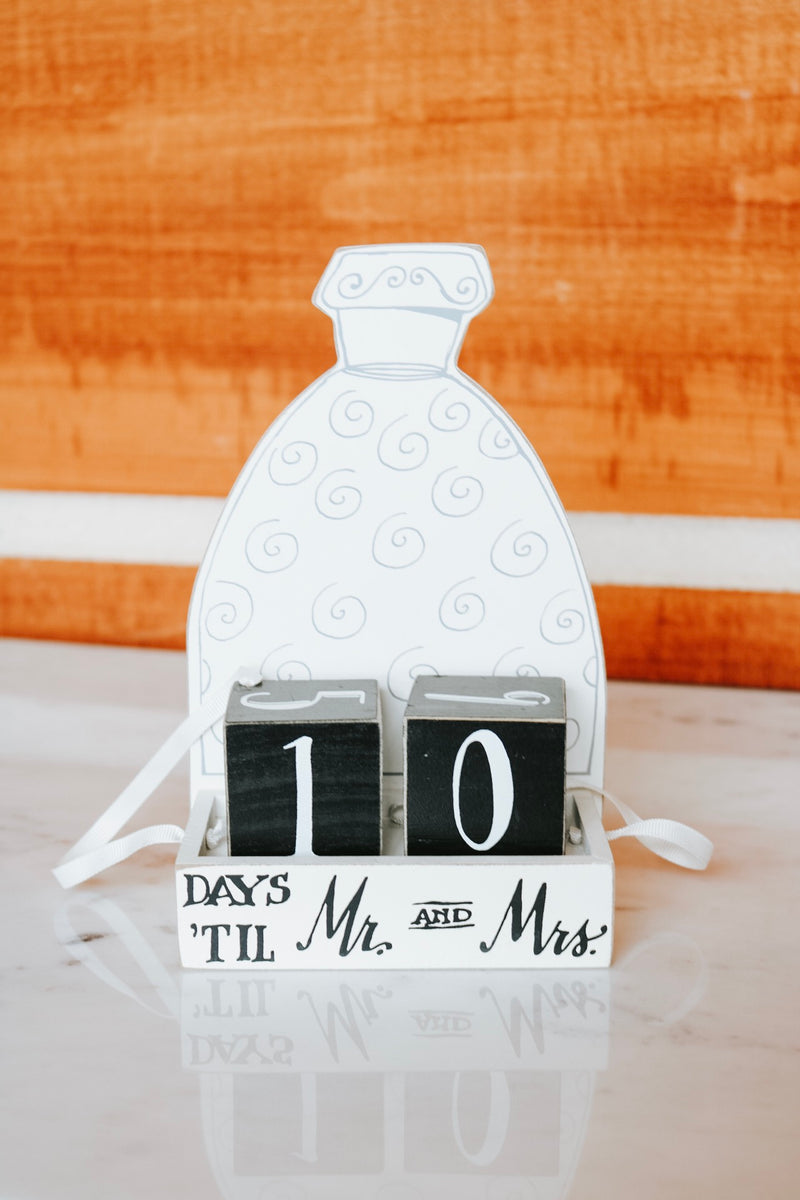 Countdown Mr. & Mrs. Sign