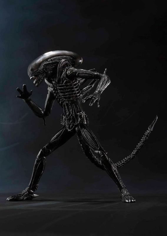 Figurine 100% Original BANDAI S.H.Monster - Alien