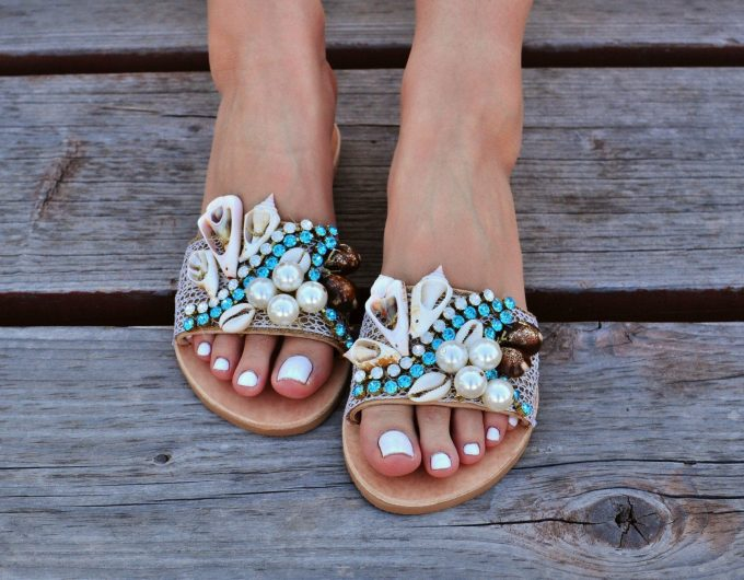 flat sandals, sandals for brides, sandals with shells