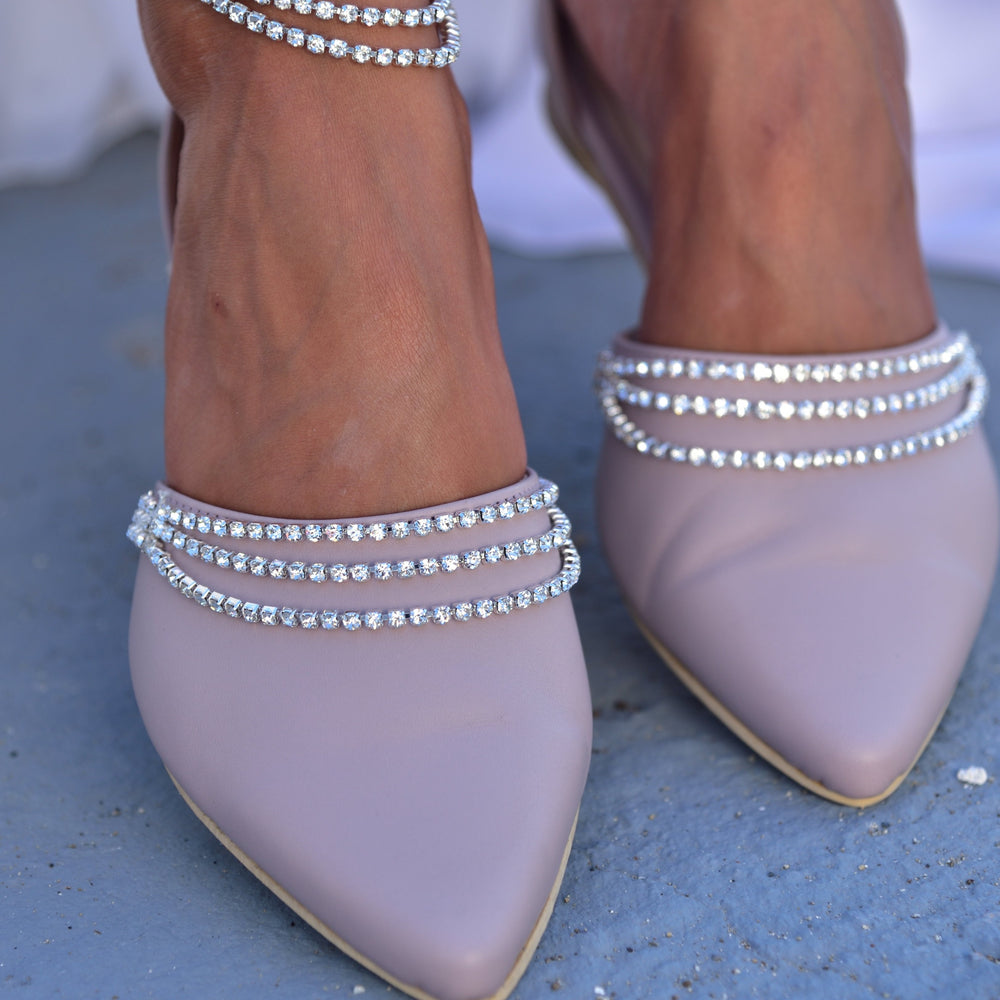 pointed toe wedding shoes