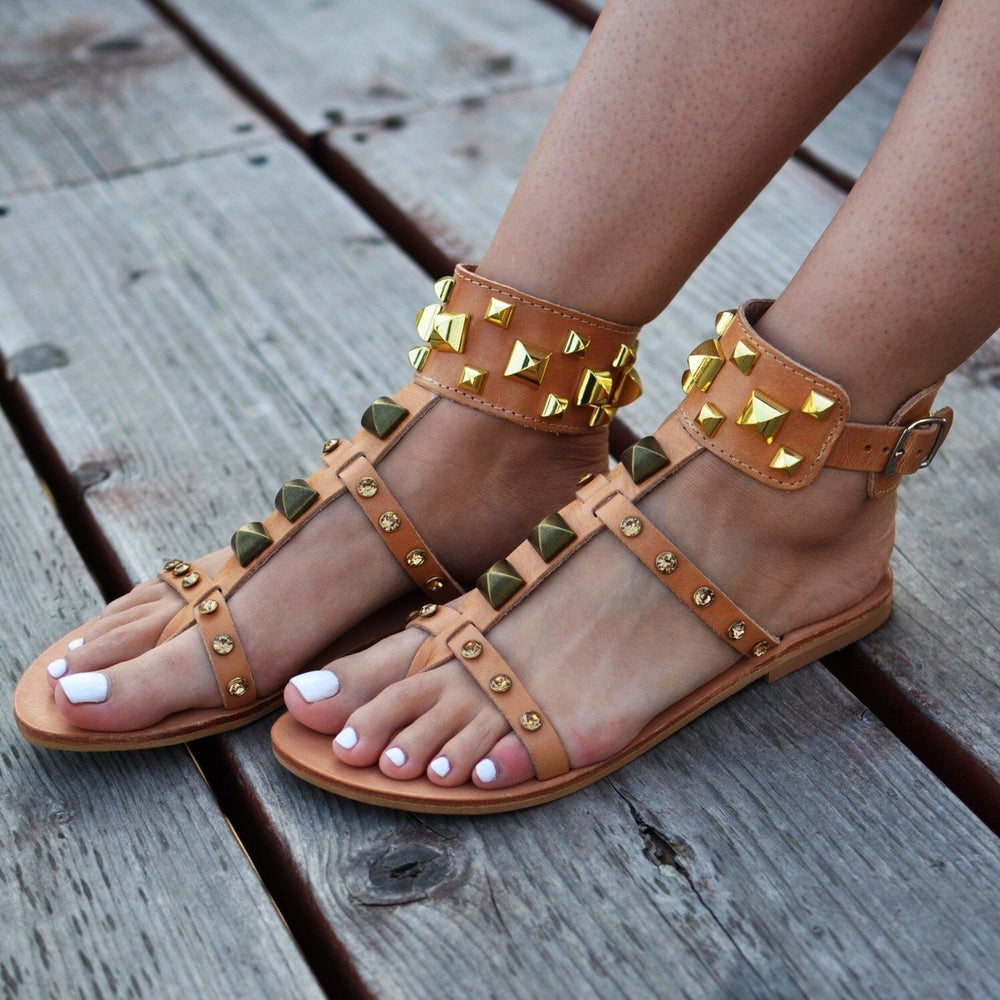 Bellatruk, natural - sandals with crystals