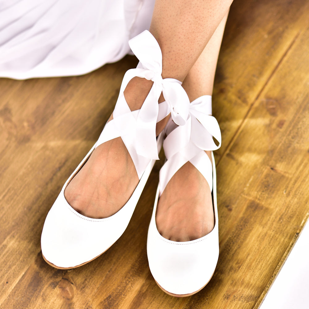 wedding shoes with ribbons