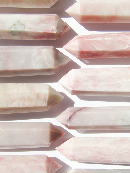 Pink Opal point - Pale pink
