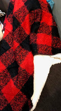 Load image into Gallery viewer, Buffalo Plaid Throw