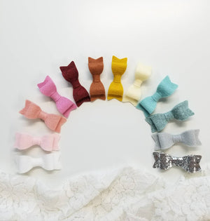 Baby bows, Winter Rainbow,  alligator clips, hair clips, baby girl, vanaguelite, felt bows