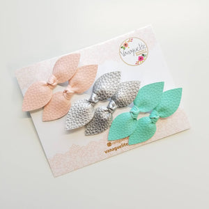 Baby bows, pigtail sets, alligator clips, hair clips, baby girl, vanaguelite, soft faux leather knot bows