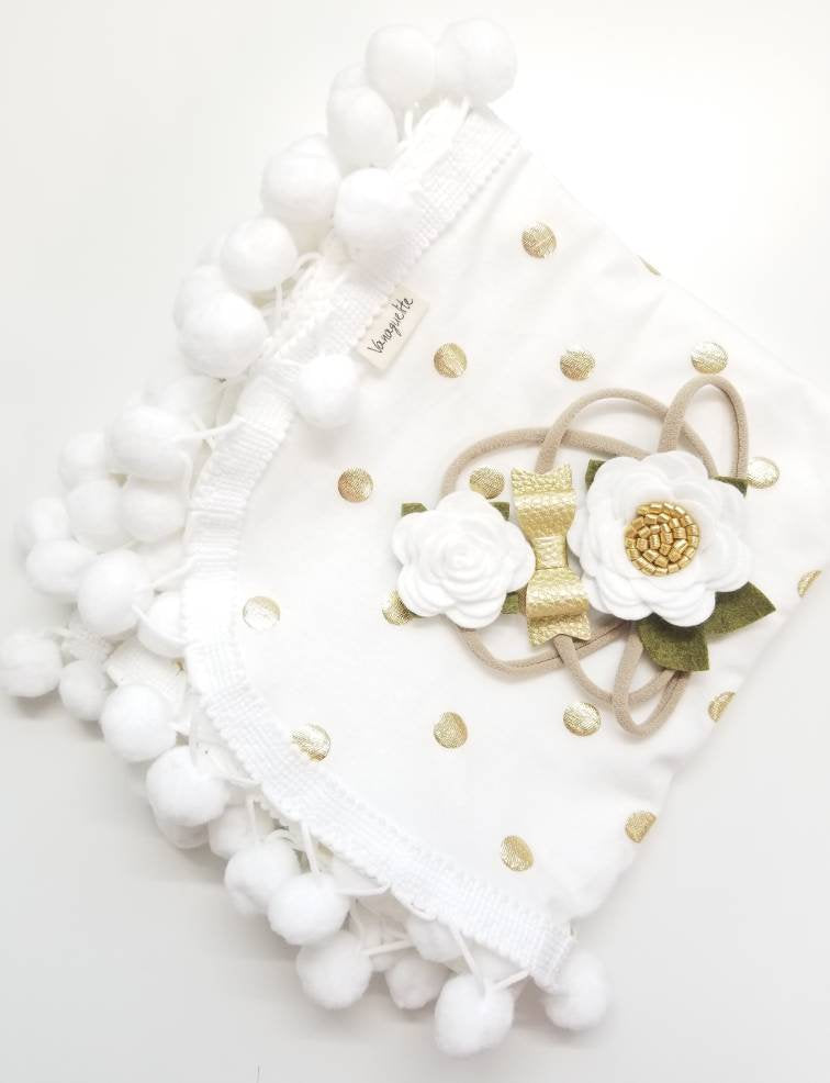 Baby headbands, White and gold, Mini Flowers and Bow, Floral headband, vanaguelite, baby bows
