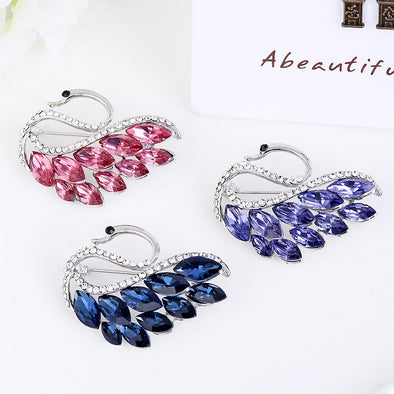 【Buy One Get Two, Three Colors】High-end Swan Brooch Fashion Diamond Brooch