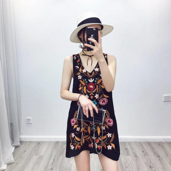 Cheshanf 2019 Spring Loose Black Ethnic Embroidery Dress Women V Neck Sleeveless Casual Embroidered Bohemia Dresses Ladies