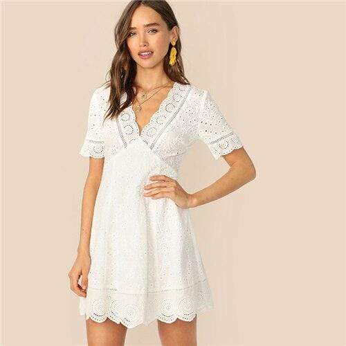 Boho White Plunging Neck Scallop Edge Schiffy Summer Lace Dress Women Elegant Fit And Flare Solid Short Empire Dresses