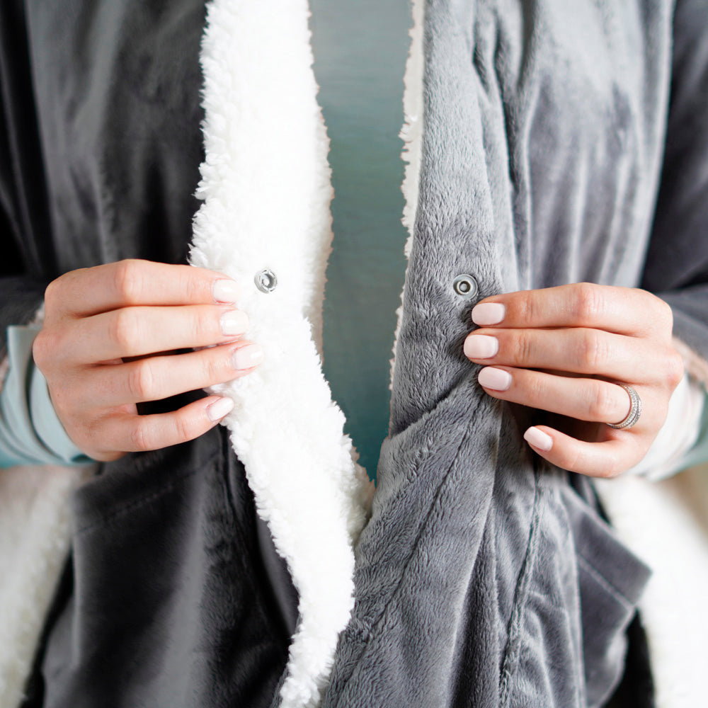Load image into Gallery viewer, PureRelief™ Plush Heated Shawl