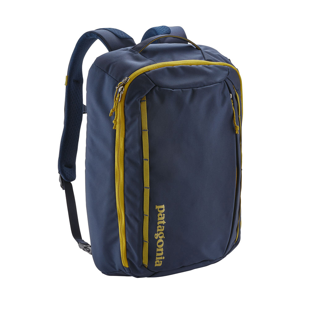 Patagonia Tres Backpack (25L) in classic navy