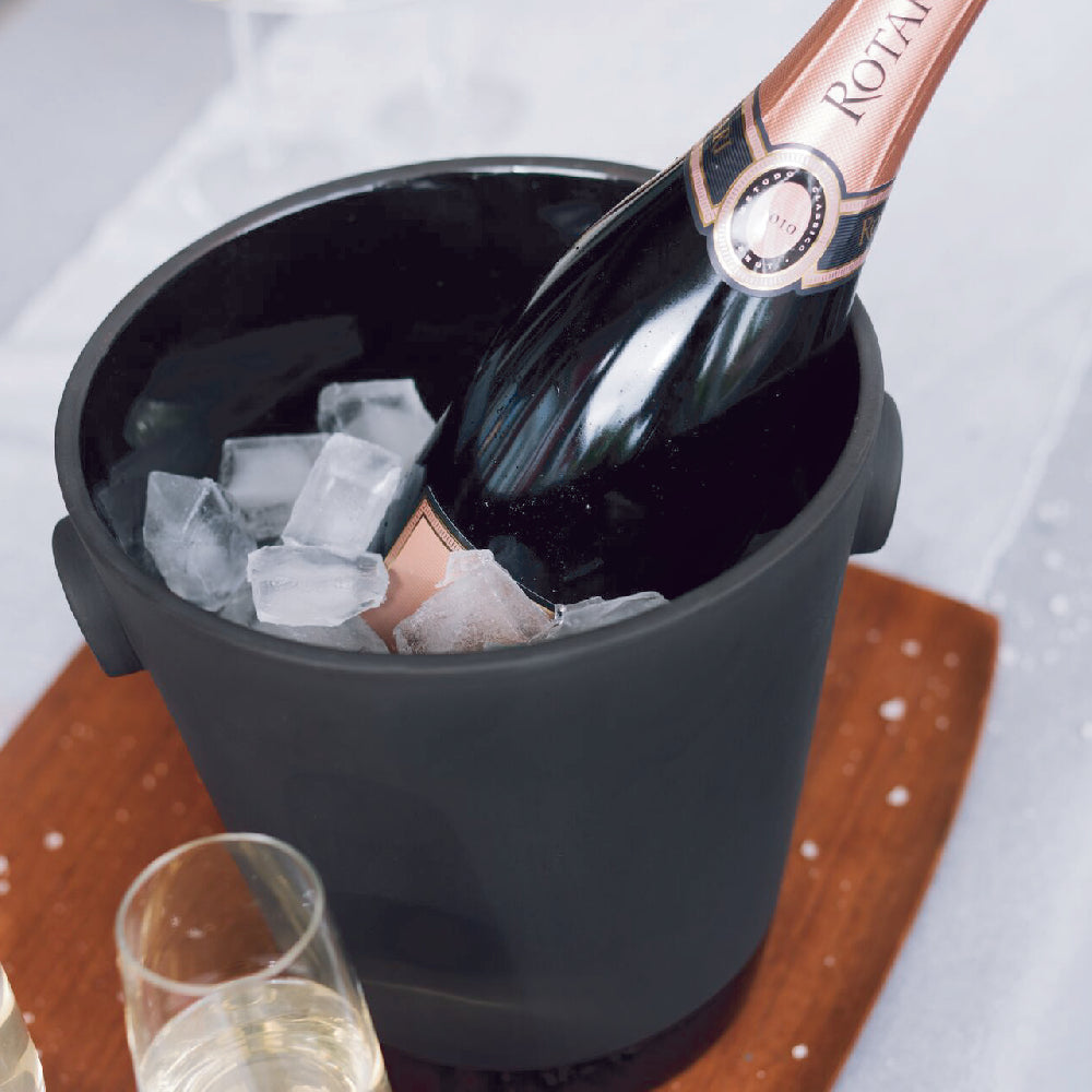 Magisso Champagne Cooler with bottle and ice