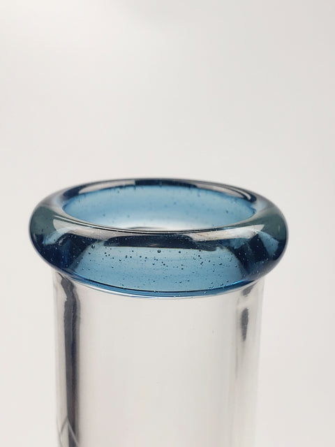 "10"" Hvy mini beaker with blue lip"