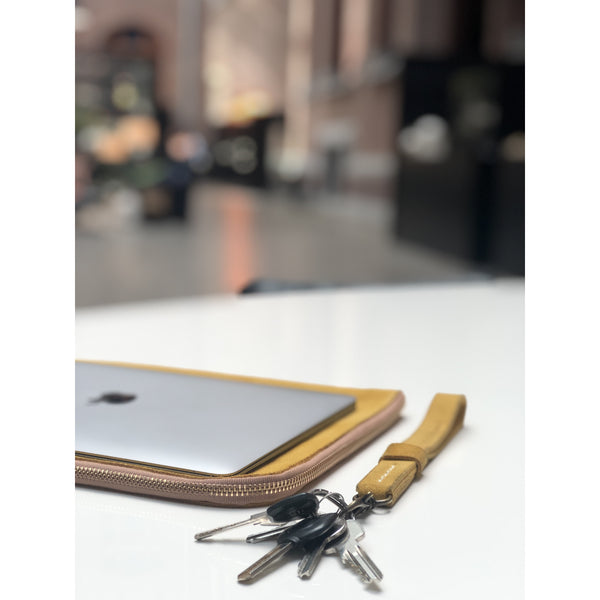 Keychain in suede leather with brass clip on - counterfitstudio