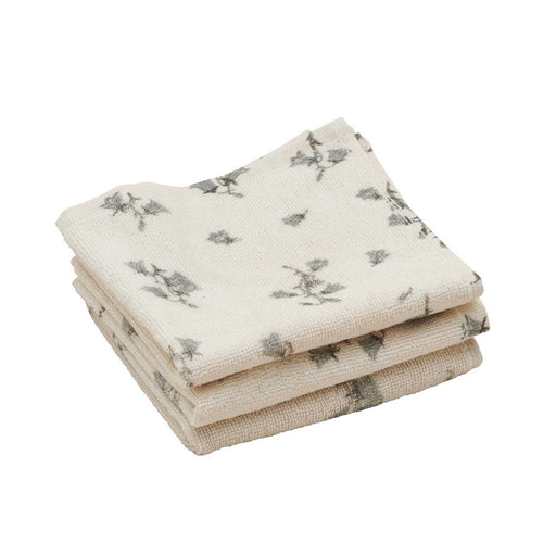 Pile of soft, toxin-free face towels by Garbo&Friends