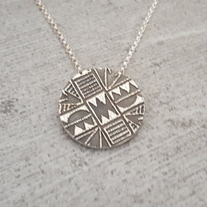 Small Hawaiian Tribal Print Necklace