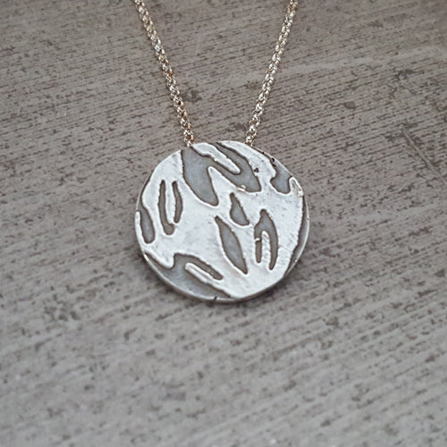 Small Kukui Nut Print Necklace