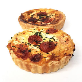 Savoury tart | Cherry tomatoes, caramelised onion, goat cheese | Vegetarian
