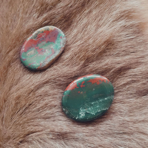 Bloodstone Worry Stone - Green Moon Apothecary Ltd