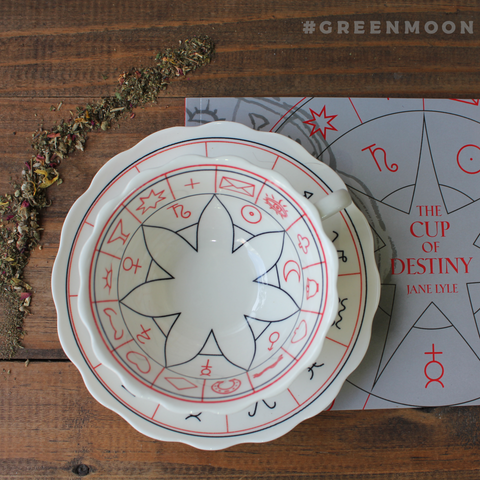 The Cup of Destiny: Tasseomancy Divination Cup and Book - Green Moon Apothecary Ltd