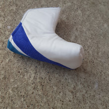 Load image into Gallery viewer, White and the blues putterheadcover