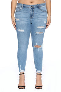 Plus Size Mid Rise Destroy Raw Cut Hem Jeans