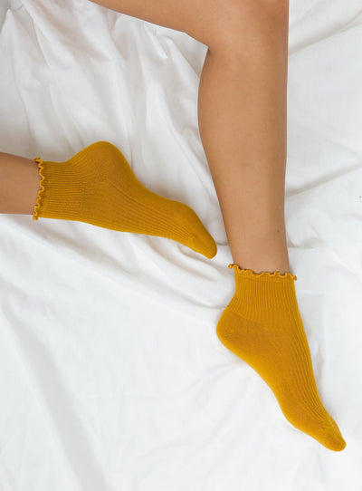 Ribbed Ruffle Socks Mustard