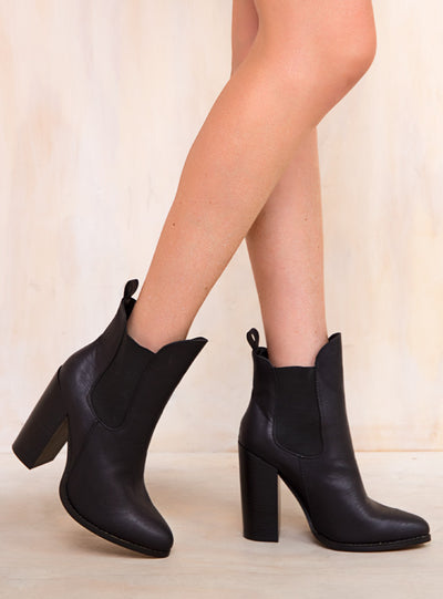 Therapy Black Bandera Boots