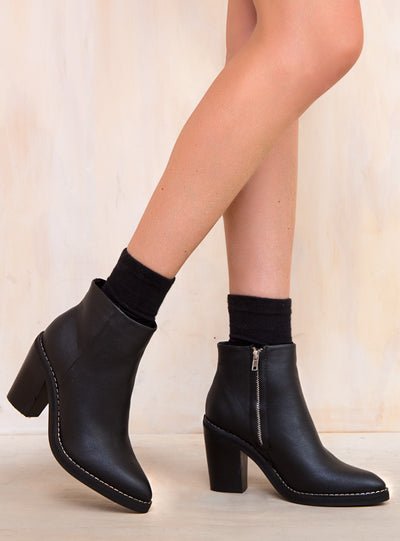 Therapy Black Baton Boots