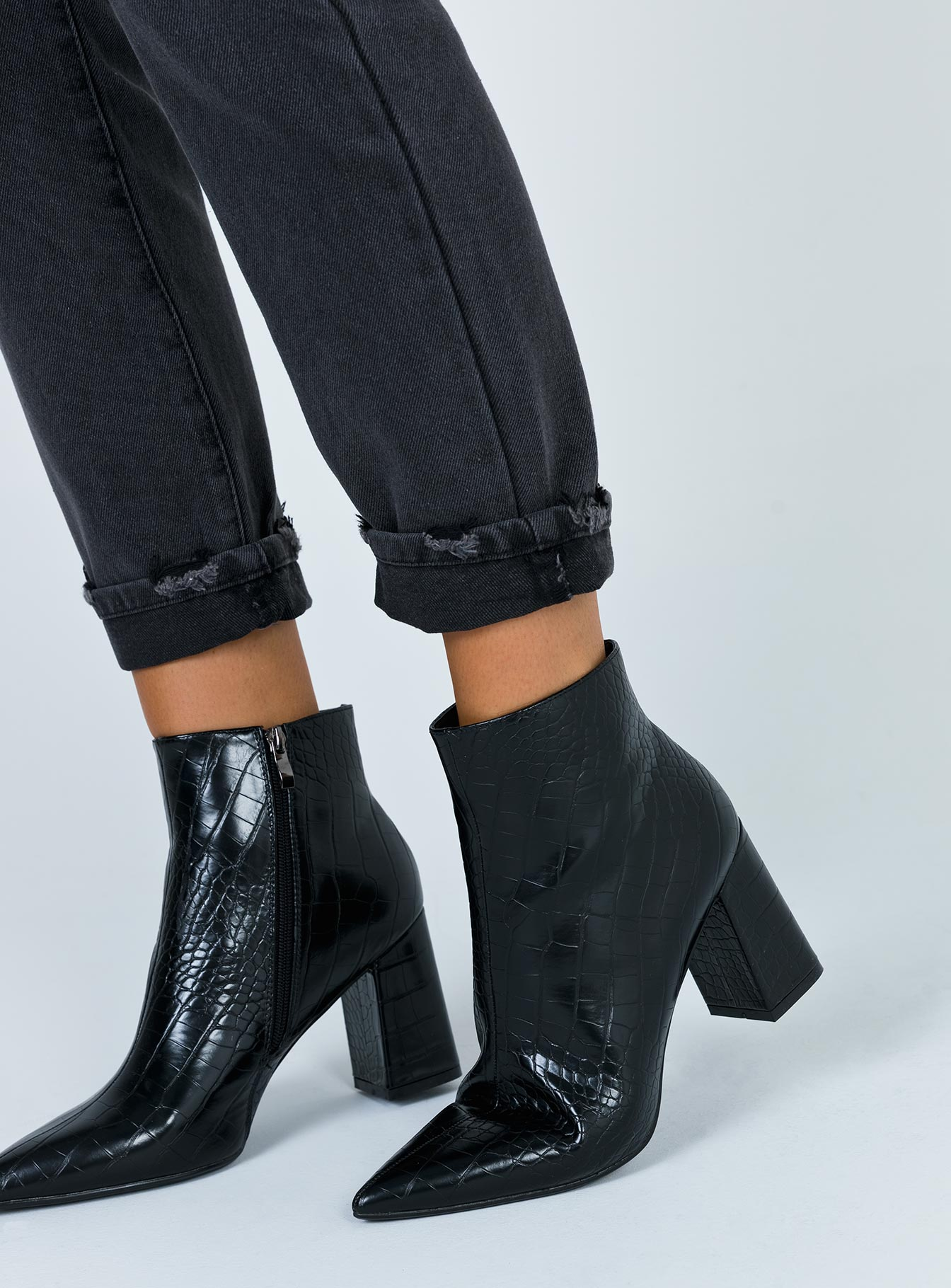 Therapy Alloy Black Croc Boots