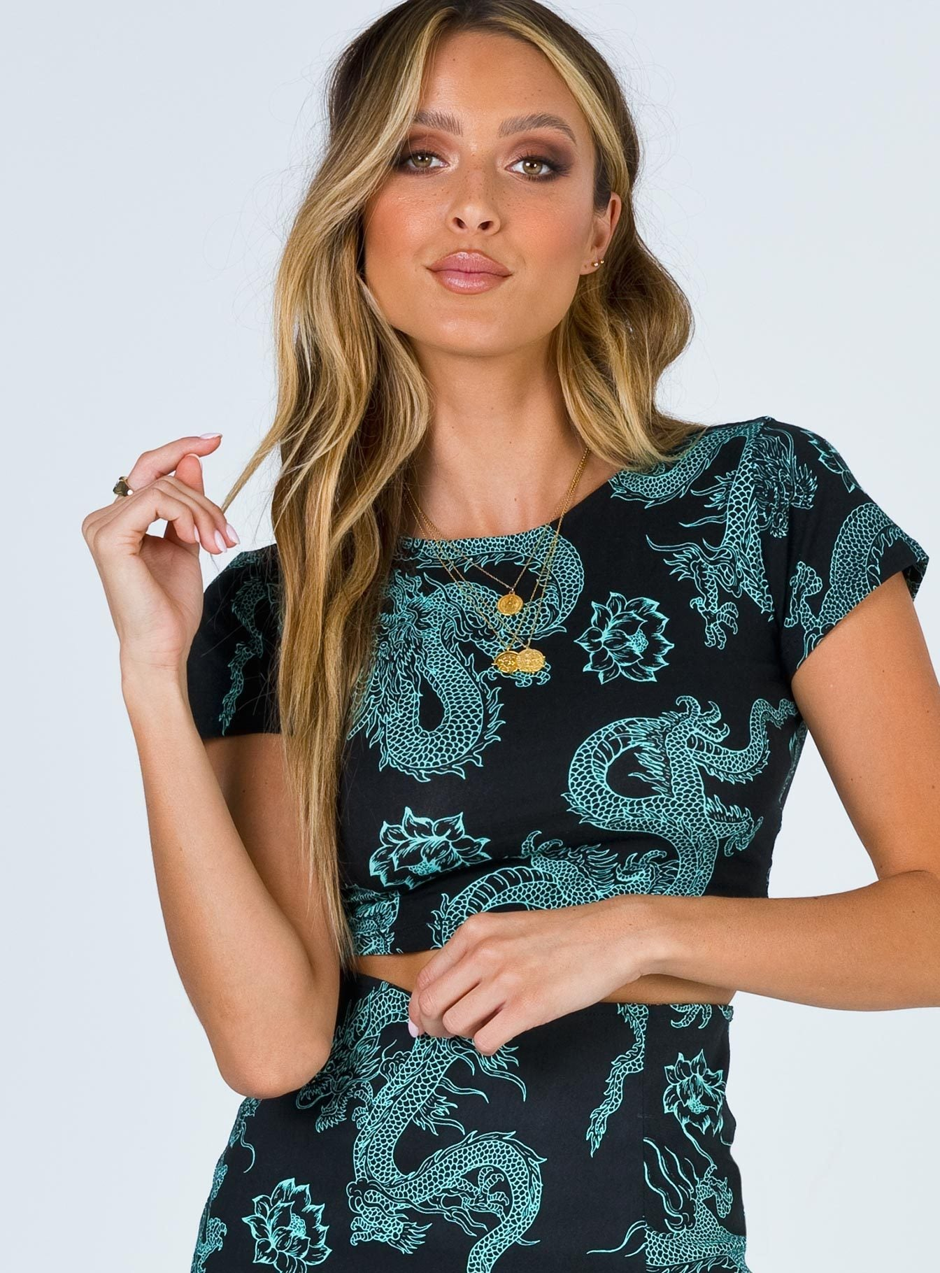 Motel Tindy Crop Top Dragon Flower Black