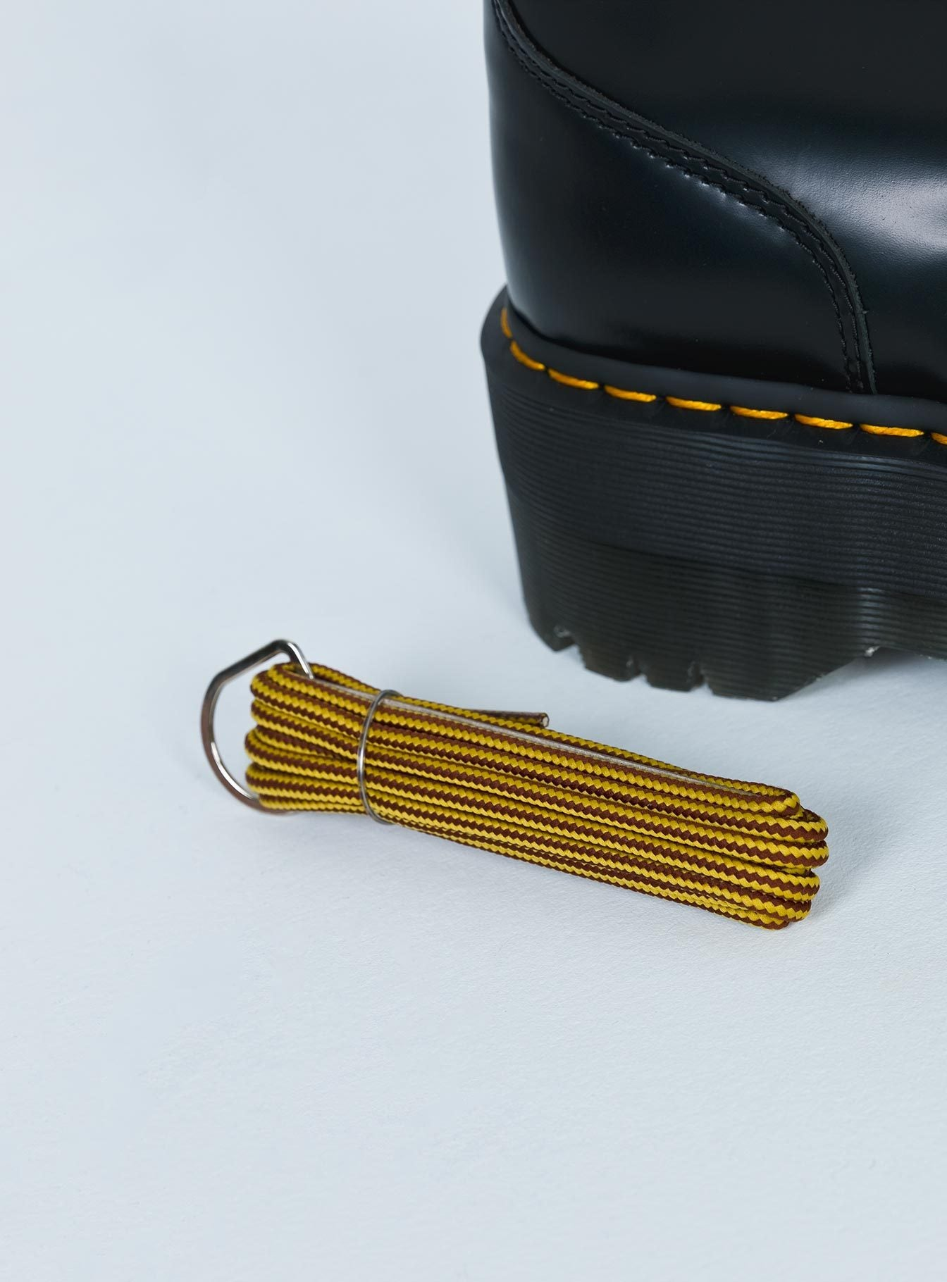 Dr. Martens Round Laces Brown/Yellow