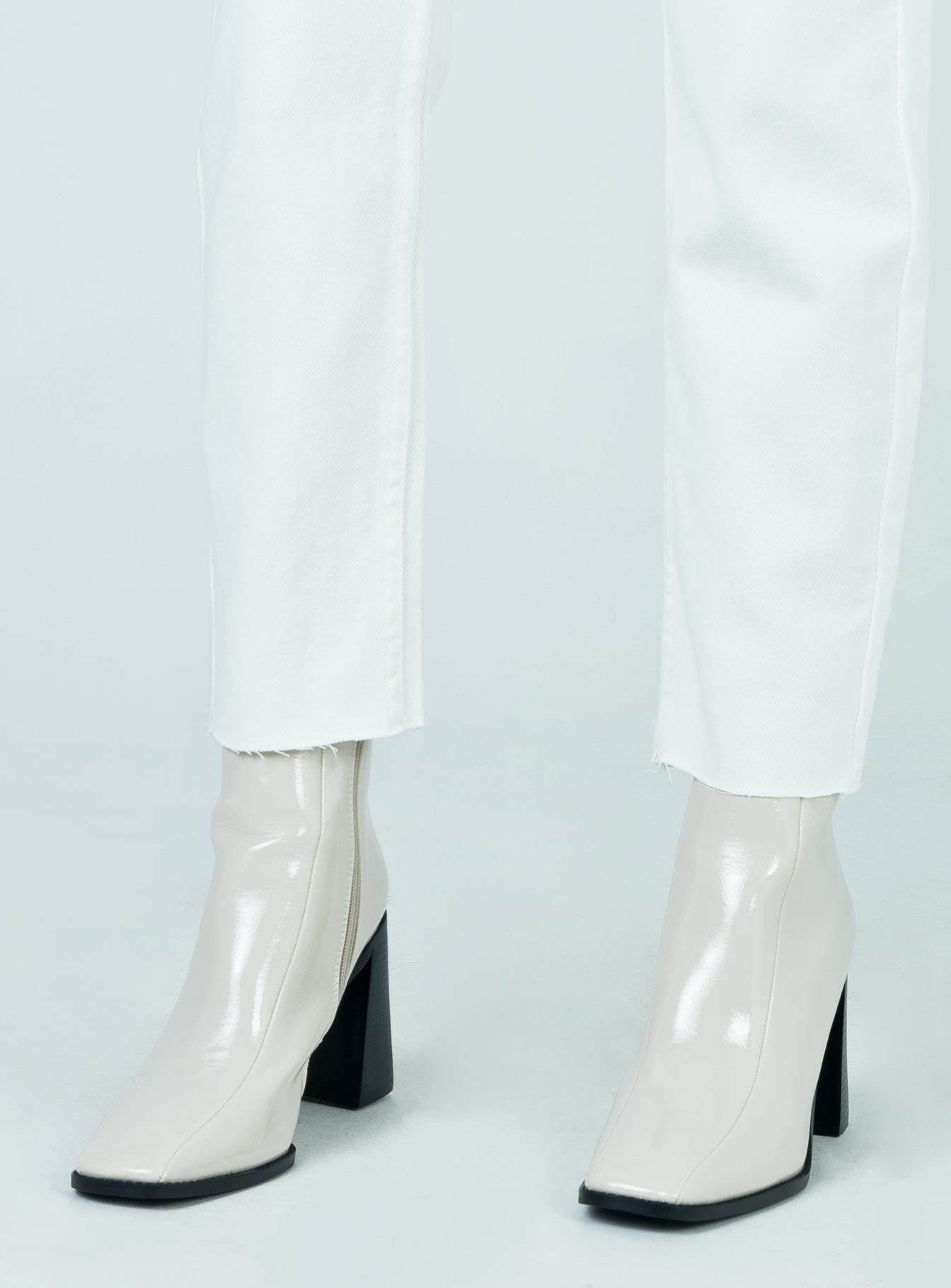 The Kia Boots White