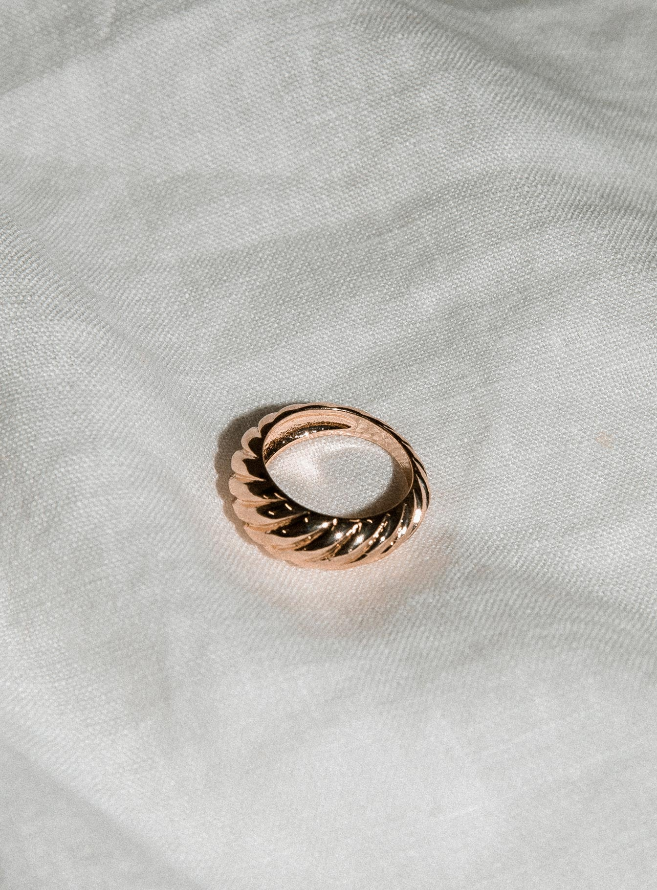 The Viv Ring