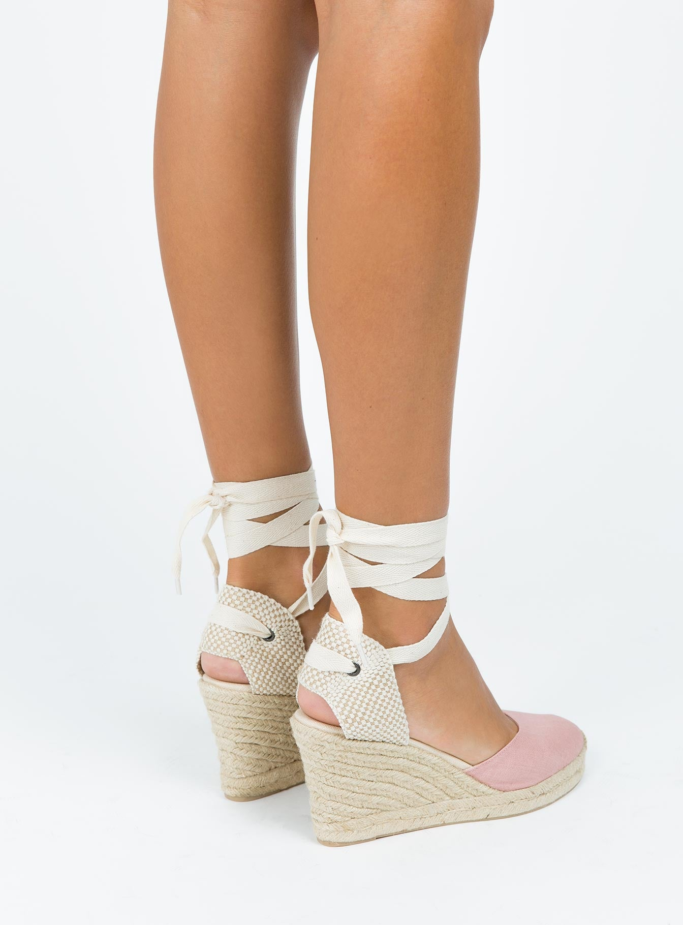 Soludos Tall Wedge Sandals </p>                     </div> 		  <!--bof Product URL --> 										<!--eof Product URL --> 					<!--bof Quantity Discounts table --> 											<!--eof Quantity Discounts table --> 				</div> 				                       			</dd> 						<dt class=