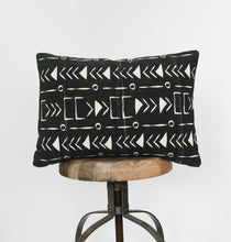 "Load image into Gallery viewer, Gigi [20"" x 14"" pillow]"