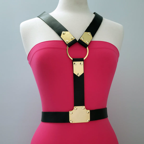 Beny Hart. Harness style 1. Available with 24k Gold plated steel. Solid Brass. Chrome plated steel.