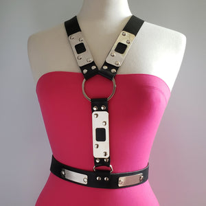 Beny Hart. Harness style 3. Available with 24k Gold plated steel. Solid Brass. Chrome plated steel.