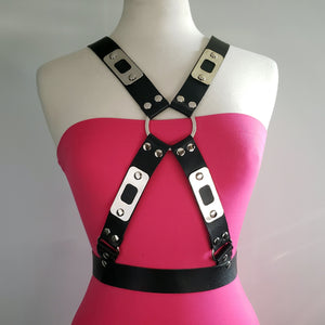 Beny Hart. Harness style 4. Available with 24k Gold plated steel. Solid Brass. Chrome plated steel.