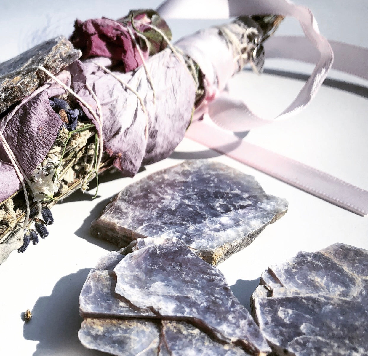 LAVENDER DREAMS CALMING SMUDGE STICK W/ Lepidolite Healing  Stone