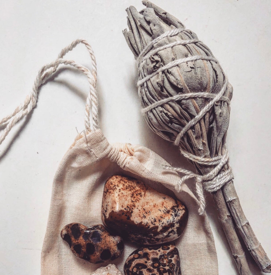 SMUDGE BOX + Earth Stones + Sacred Sage + Palo Santo