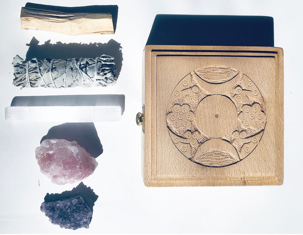 TRIPLE MOON SMUDGE + HEALING CRYSTAL KIT