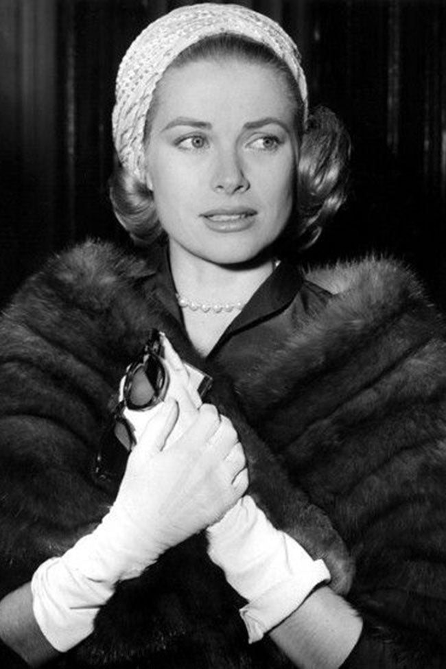 Grace Kelly portant un bandeau