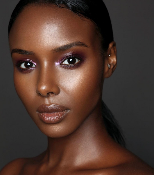 Bronzed facial makeup