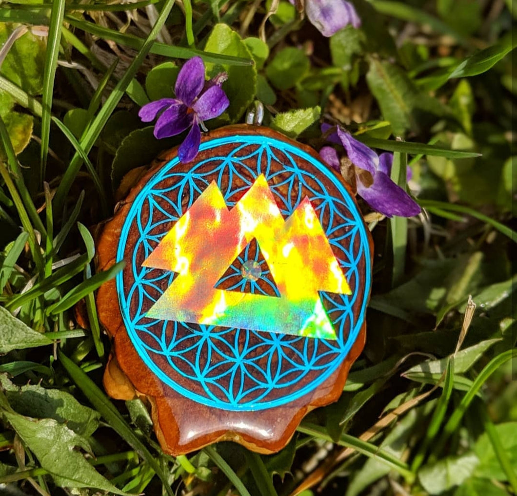 Wakaan over flower of life with opal